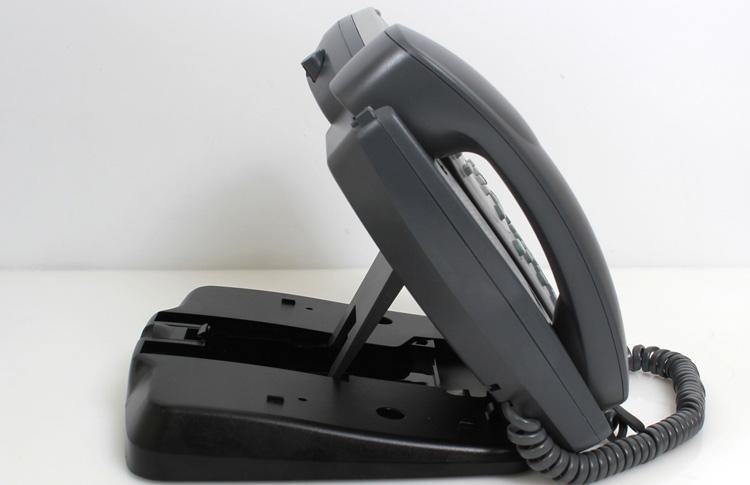 نمای کنار سمت راست Avaya 4621SW IP Phone