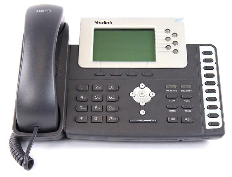 تصویر روبرو Yealink T28P IP Phone